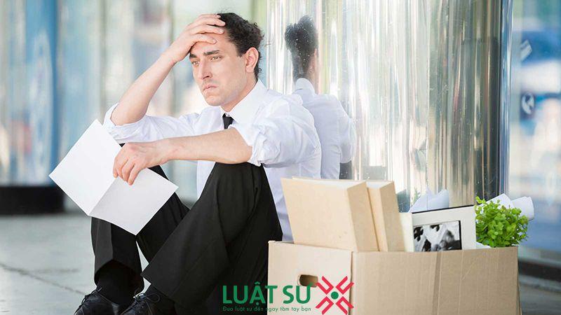 Bị sa thải có được hưởng bảo hiểm thất nghiệp không?